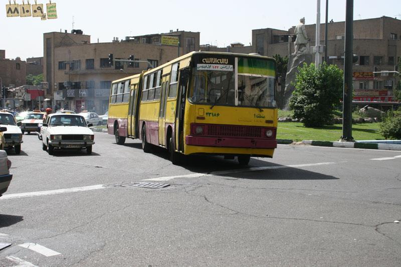 نهِ/ دی/ هشتاد و هشت http://www.881009.ir/ اتوبوس و زندگی ما